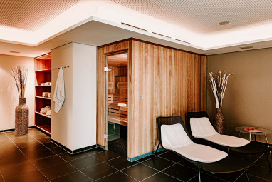 Vienna House Easy Mo. Stuttgart: Wellness/Spa